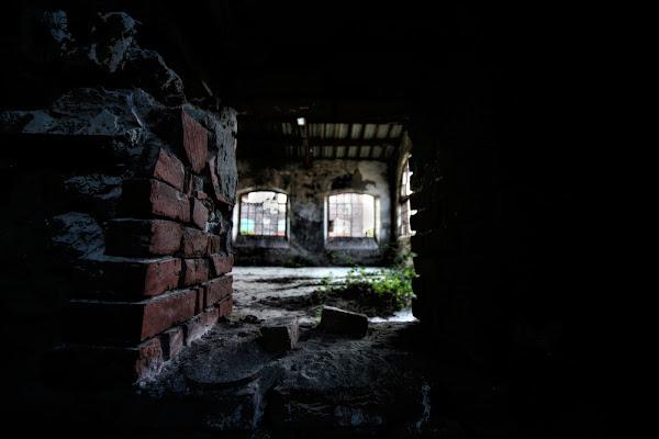 ogni muro è una porta.. di Lukasztv