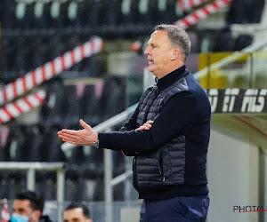 """John van den Brom kritisch op kalender play-offs: """"Dat is onbegrijpelijk"""""""
