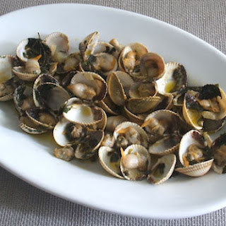 Cockles With Lemon Juice.