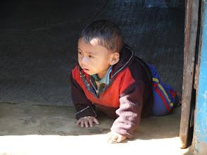 Photo: We zijn maar pas terug vertrokken of deze kleine jongen komt ons al tegemoet gekropen...