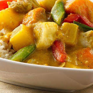 Slow-Cooker Chicken-Coconut-Pineapple Curry.