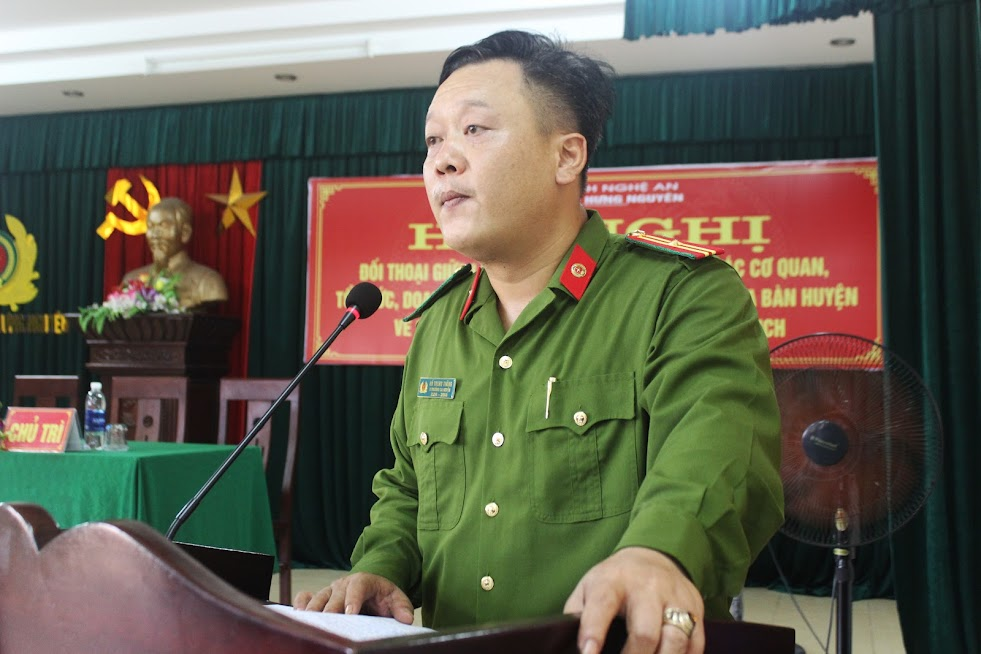 Thiếu tá Hồ Trung Thông, Phó Trưởng Công an huyện khai mạc Hội nghị