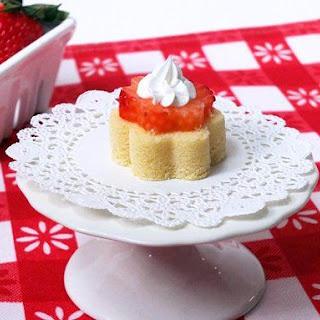 Springtime Strawberry Pound Cake.