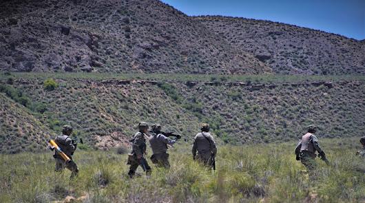 La Legión afila sus unidades en un ejercicio a pies de Sierra Alhamilla
