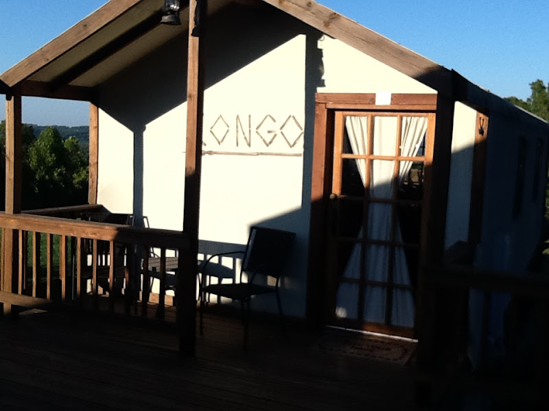 Photo: Safari lodge cabin Congo