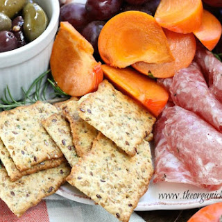 How to Make a Holiday Charcuterie Platter!.