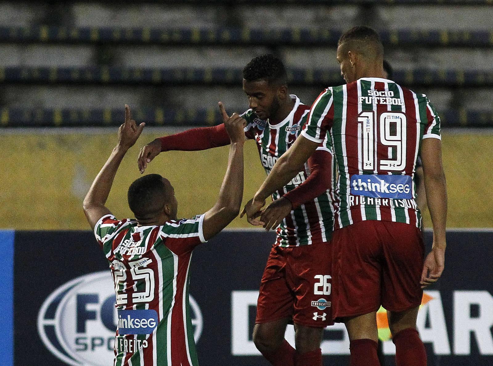 Marlon Freitas comemora o gol  Foto de Nelson Perez.jpg