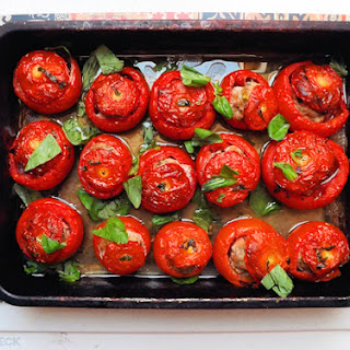 Weekly Meal Prep – Tomatoes Stuffed With Pork And Basil