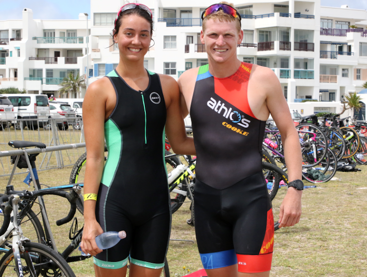 Kelly Vroon and Keegan Cooke won the men's and women's races at the second instalment of the 2018 Summer Triathlon Series at Pollok Beach on Wednesday.