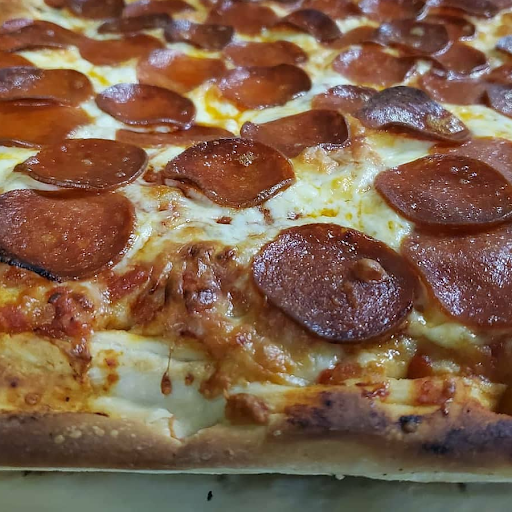Medium 1 Topping Pizza