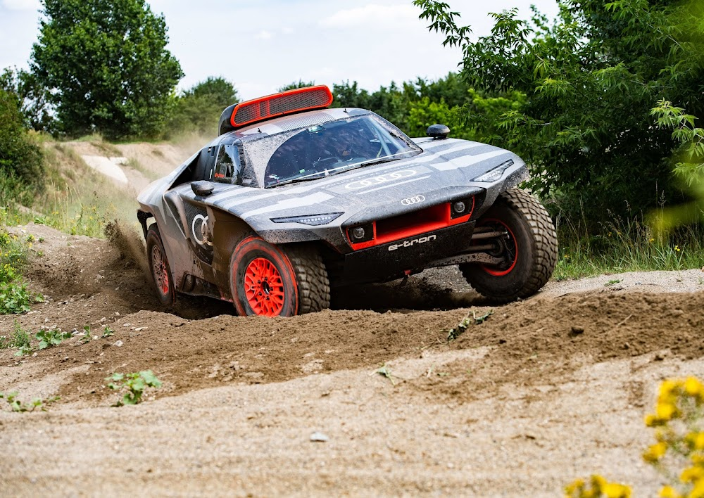 The new all-electric Audi RS Q e-tron is coming for the Dakar