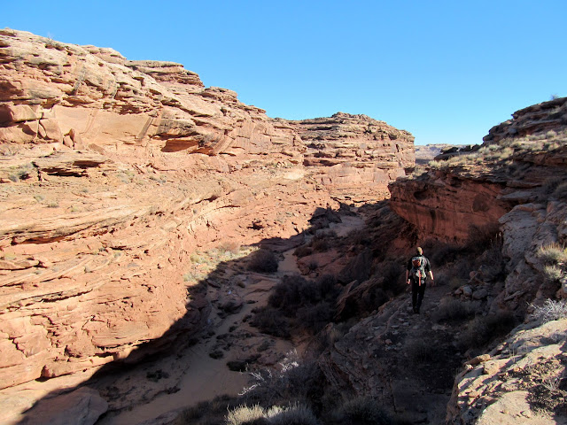 Descending back into the canyon after bypassing a dryfall