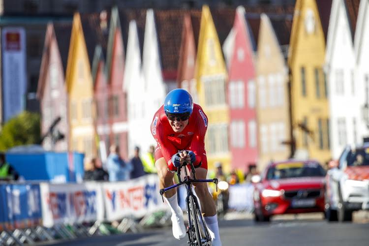 """Renner van Jumbo-Visma is de nieuwe Noorse kampioen in het tijdrijden: """"Sinds de Giro gaat het heel goed"""""""