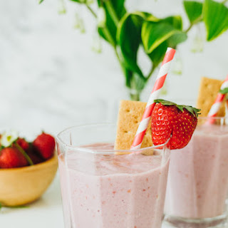 Healthy Berry Cheesecake Smoothie.
