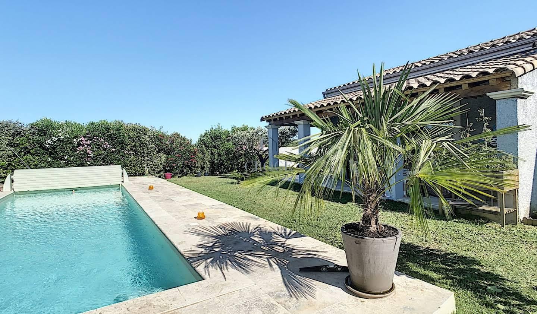 Villa avec piscine et terrasse Blauzac