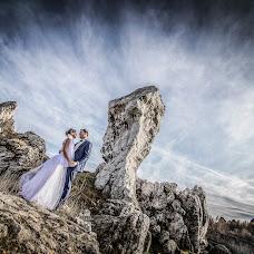 Wedding photographer Tomasz Cygnarowicz (TomaszCygnarowi). Photo of 10.10.2017