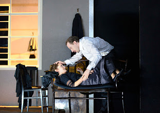 """Photo: WIEN/ THEATER IN DER JOSEFSTADT: """"LIEBELEI"""" von Arthur Schnitzler. Premiere 4.9.2014. Alma Hasun, Florian Teichtmeister. Foto-Copyright: Barbara Zeininger"""