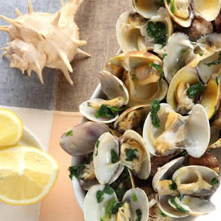 Grilled Littleneck Clams With Lemon-Butter Sauce.