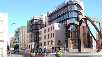 Los servicios centrales, en la Plaza de Barcelona, se han reducido al mantemiento de los servicios mínimos.