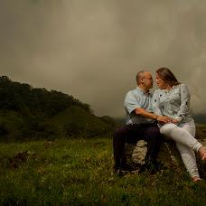 Wedding photographer Anyelo Cardona (anyelocardona). Photo of 03.10.2017