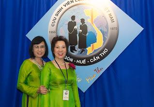 Photo: chị Bạch Yến (SVLK SaiGon) & chị Vũ Thị Xuyến