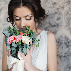 Wedding photographer Marina Guselnikova (Marizi). Photo of 18.04.2018