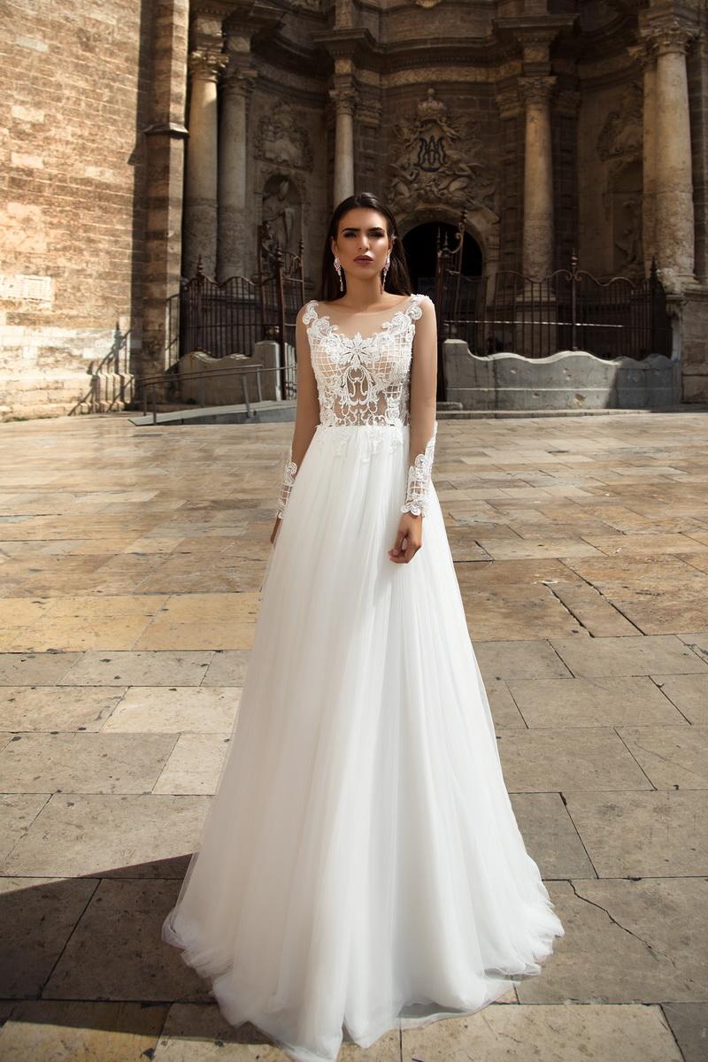 Желаете купить свадебное платье в Киеве? Посетите сайт krystalsalon.com.ua!