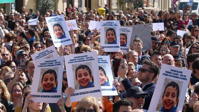 Manifestación durante la búsqueda de Gabriel Cruz.