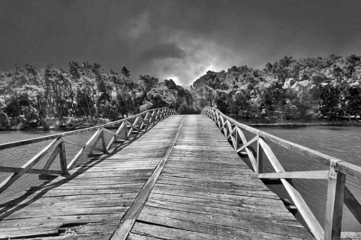 Ponte sul fiume Morto di vagero