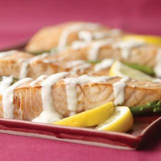 Salmon & Asparagus Hollandaise.