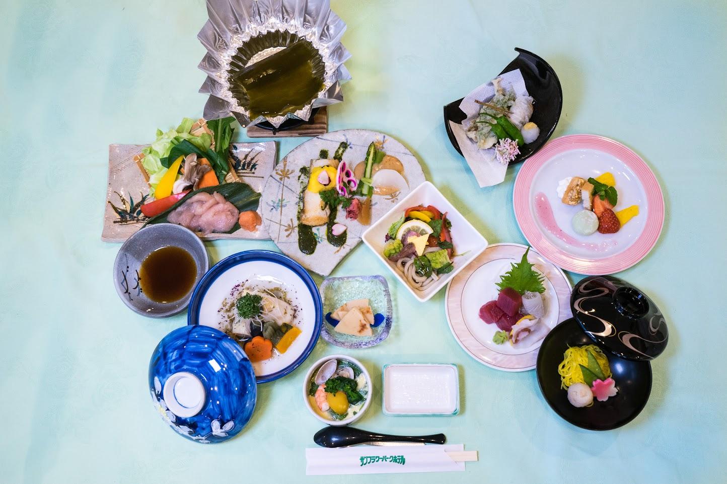 2016年春宿泊スタンダードコースの夕食膳・サンフラワーパークホテル