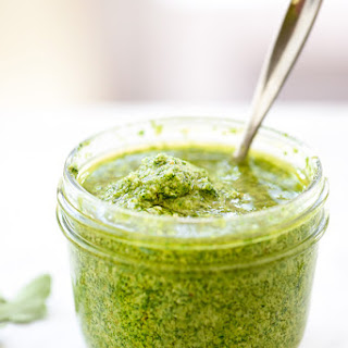 How to Make Arugula Pesto