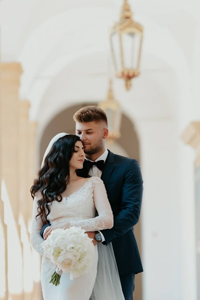 Wedding photographer Ovidiu  (Ovidiu3298). Photo of 24.02.2019