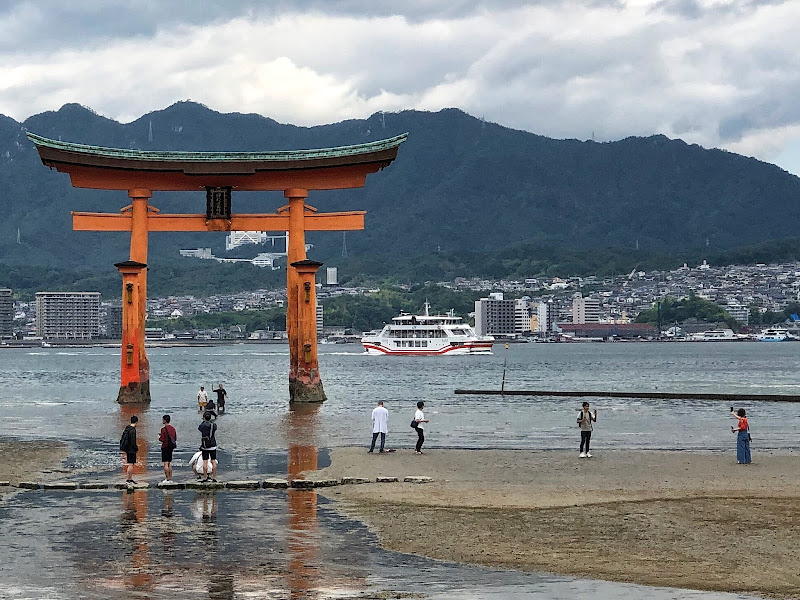 Itsukushima Torii di ph_gaetano