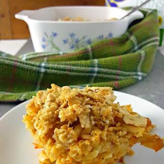 Sun-Dried Tomato Pesto Four Cheese Mac and Cheese with Rosemary Wasa Topping #HowDoYouWasa #Ad Recipe