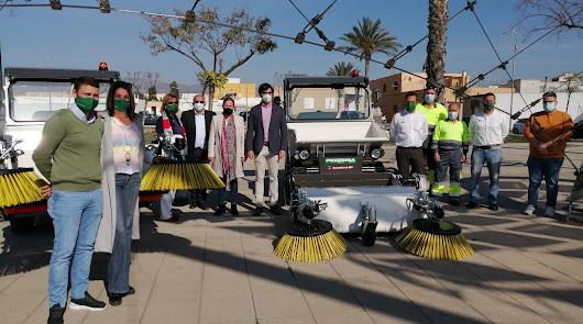 Dos nuevas máquinas barrenderas para reforzar el servicio de limpieza de Níjar