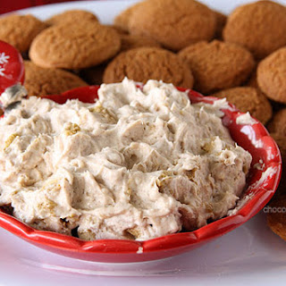 Gingerbread Marshmallow Cheesecake Dip