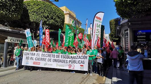 La comunidad educativa se echa a la calle contra el decreto de escolarización