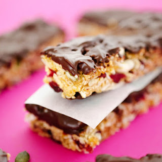Chocolate-Dipped Chewy Granola Bars (Nut-Free).