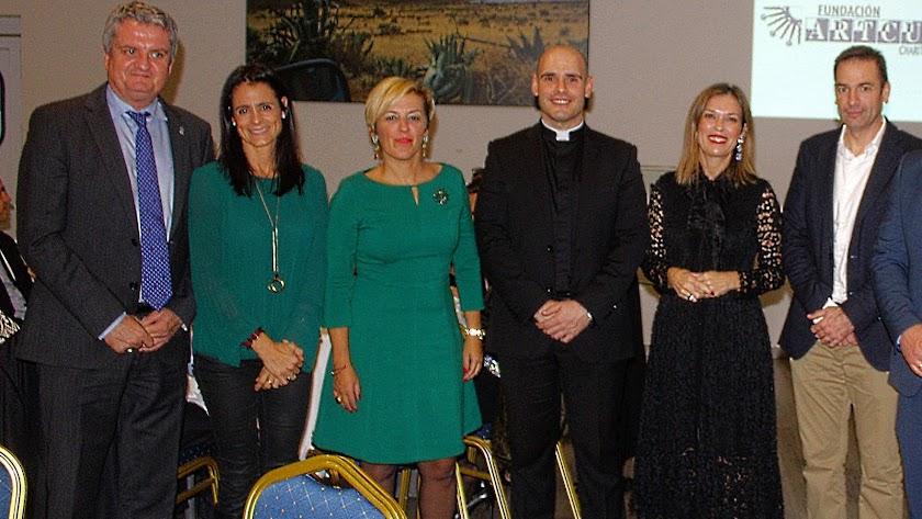 Representantes institucionales asistieron al acto del aniversario de la Fundación Artcupa.