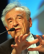 Photo: DAVOS,28JAN03 - Elie Wiesel, Professor of the Humanities, Boston University, USA speaks during the session '269 A New Agenda: Combining Efficiency and Human Dignity' at the 'Annual Meeting 2003' of the World Economic Forum in Davos/Switzerland, January 28, 2003. 