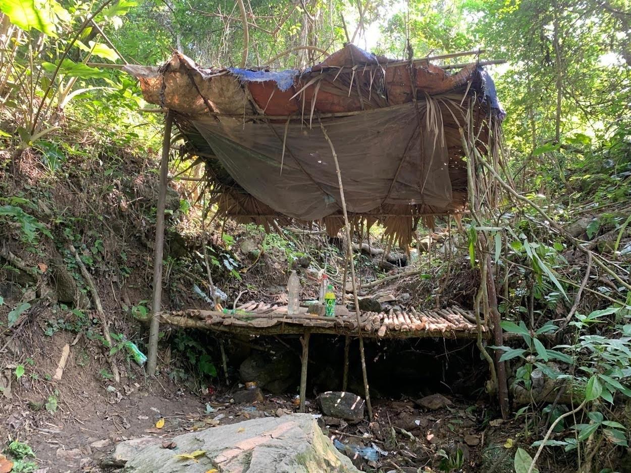 Lán trại nơi đối tượng Lương Văn Xá điều hành tụ điểm mua bán            trái phép chất ma túy