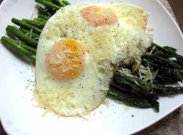 Lemon Pepper Grilled Asparagus W/fried Egg