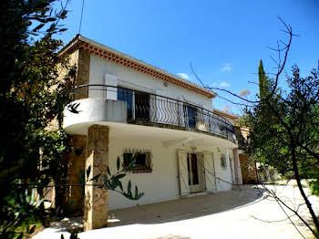 Villa 11 pièces 250 m2