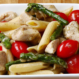 Brighten Up Your Pasta With This Chicken and Asparagus Penne
