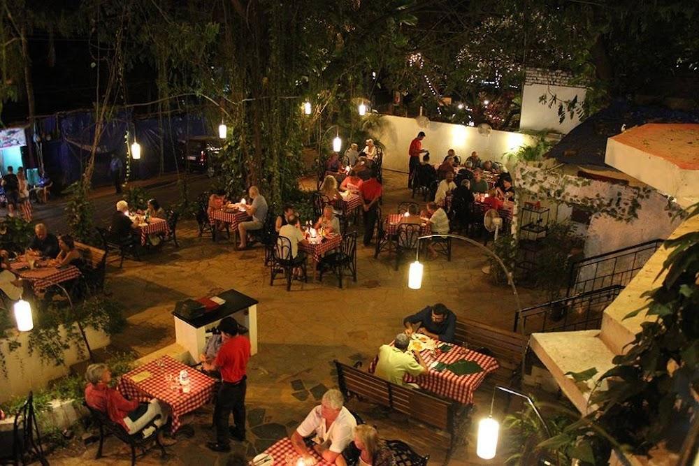 Tuscany-garden-romantic-restaurants-in-goa_image