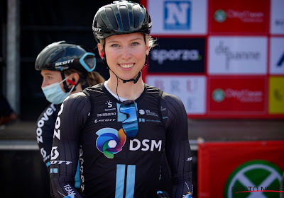 Lorena Wiebes is de sterkste in tweede etappe Lotto Belgium Tour, Jolien D'hoore moet tevreden zijn met de tweede plaats