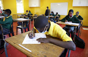 Teaching got underway for Grade 7s and 12's at some Western Cape schools on Monday.