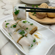 21. Fried Dough and Spring Onion Rice Noodle Roll 香脆炸兩腸粉