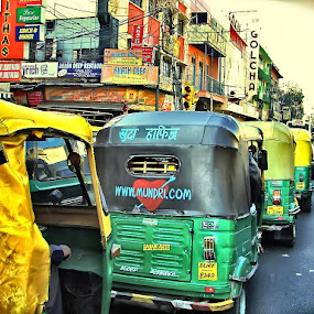 In Mumbai by Björn Olsson - Transportation Automobiles ( car, mumbai, street, india )